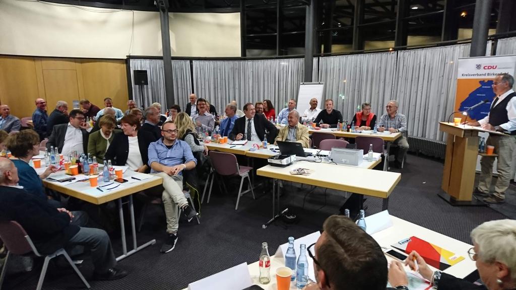 51 wahlberechtigte Mitglieder des Stadtverband Idar-Oberstein.